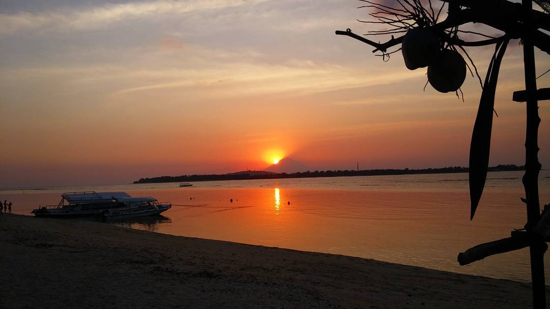 bali one month itinerary gili air sunset