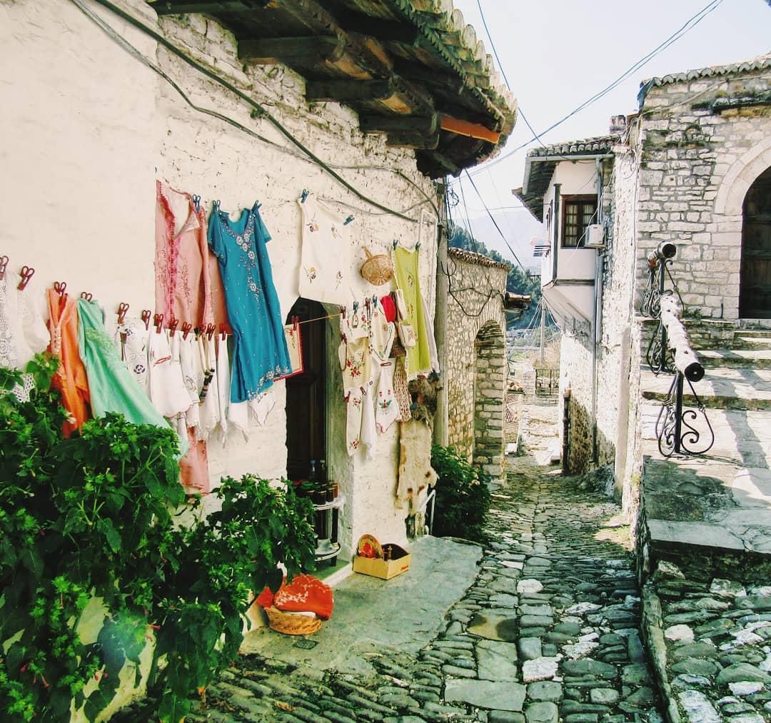mengalemi quarter berat albania