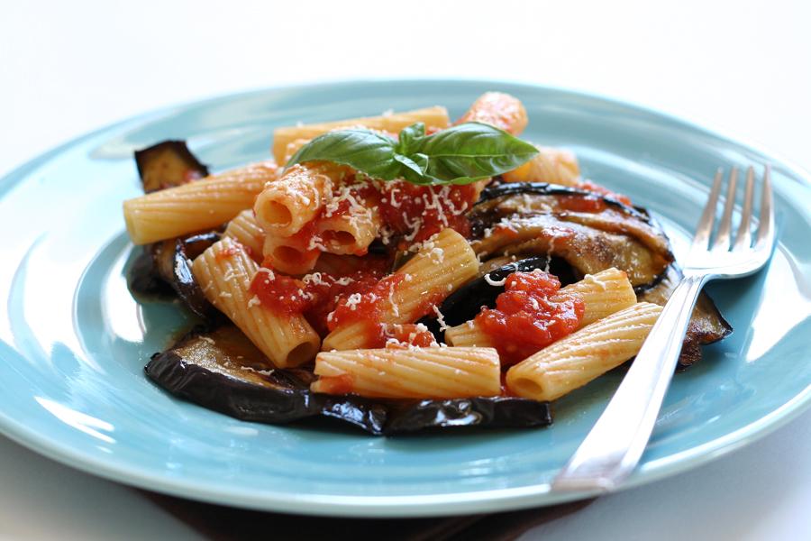 pasta alla norma sicilian foods