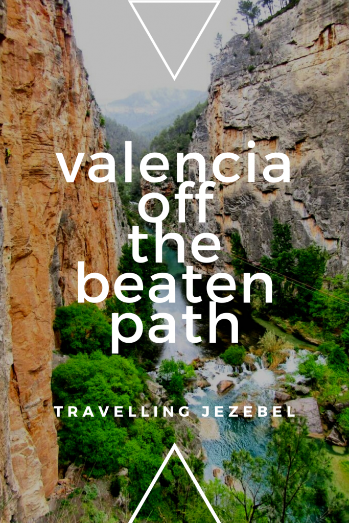 Hot Springs, Bull's Tails & Waterfalls in Spain - My Valencia Tour. I was lucky to be invited on this tour with Valtournative, which included Navajas Bridal Falls, El Chorro Waterspout, Pantano de Arenoso, Montanejos Hot Springs & more! Here's my review! #valencia #valenciaspain